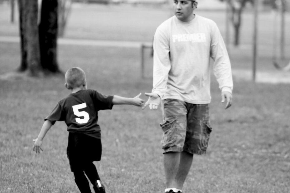 Быть родителем, а не тренером футболиста